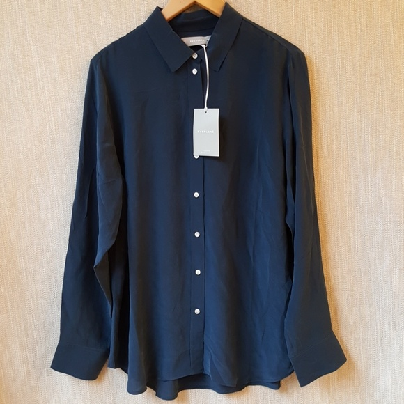 50b21cfcc2933d Everlane button down silk shirt Navy new with tags